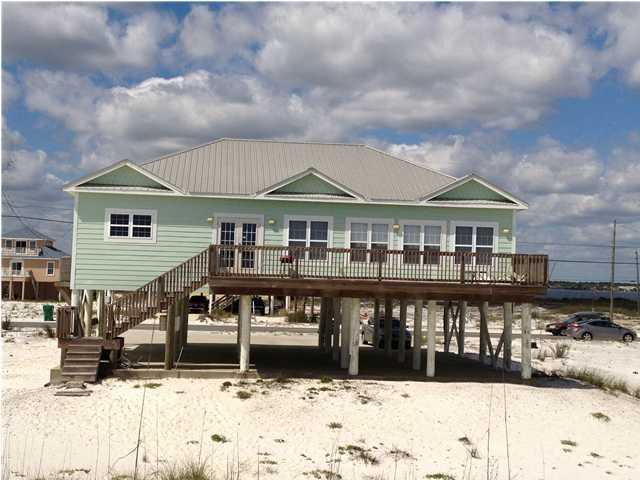 8057 Gulf Boulevard, Navarre, FL 32566 (MLS #571054) :: Coast Properties
