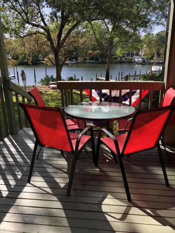 274 Kidd Street, Fort Walton Beach, FL 32548 (MLS #795547) :: ResortQuest Real Estate