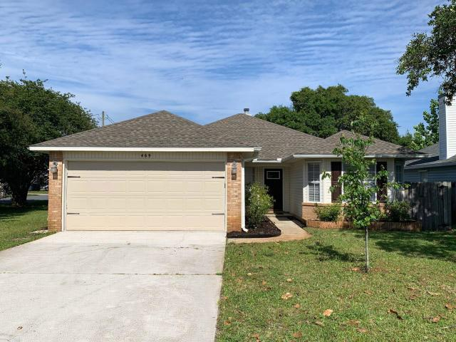 469 W Park Drive, Mary Esther, FL 32569 (MLS #823010) :: Luxury Properties Real Estate
