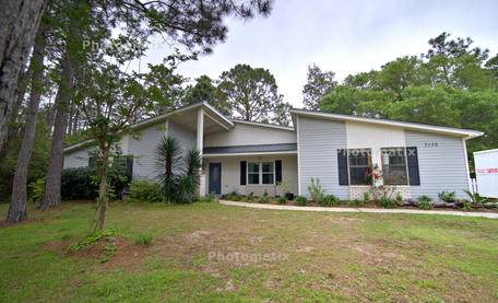7132 Leisure Street, Navarre, FL 32566 (MLS #844148) :: Berkshire Hathaway HomeServices PenFed Realty