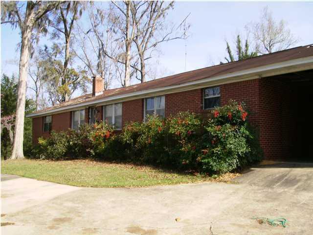 514 Lake Drive, Laurel Hill, FL 32567 (MLS #553772) :: Classic Luxury Real Estate, LLC