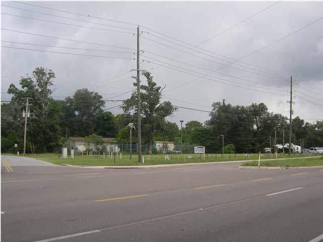 1816 Lewis Turner Boulevard - Photo 1
