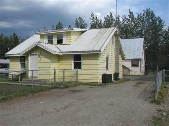 1517 Eielson Street, Fairbanks, AK 99701 (MLS #136017) :: Madden Real Estate