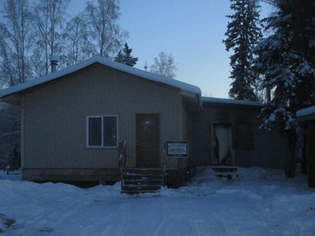 863 Faultline Avenue, North Pole, AK 99705 (MLS #139468) :: RE/MAX Associates of Fairbanks