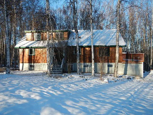 156 Mountain View Drive, Fairbanks, AK 99712 (MLS #136181) :: Madden Real Estate
