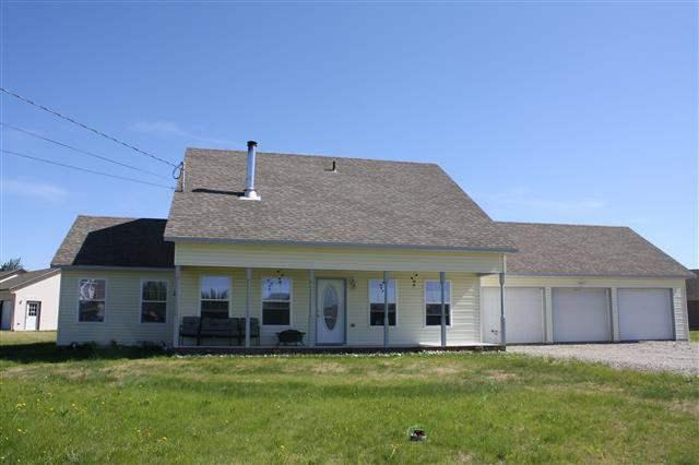 2578 Ford Street, North Pole, AK 99705 (MLS #136203) :: Madden Real Estate