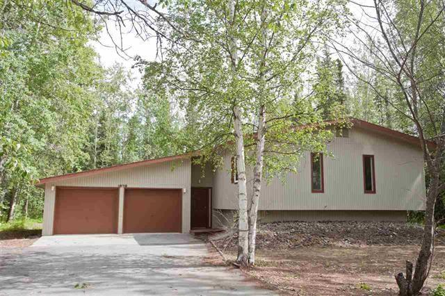 1078 Vincent Court, North Pole, AK 99705 (MLS #136970) :: Madden Real Estate