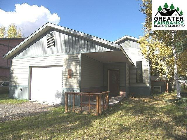 1814 Carr Avenue, Fairbanks, AK 99709 (MLS #140677) :: Powered By Lymburner Realty