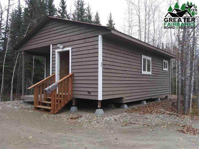 1875 Hollowell Road, North Pole, AK 99705 (MLS #144631) :: RE/MAX Associates of Fairbanks