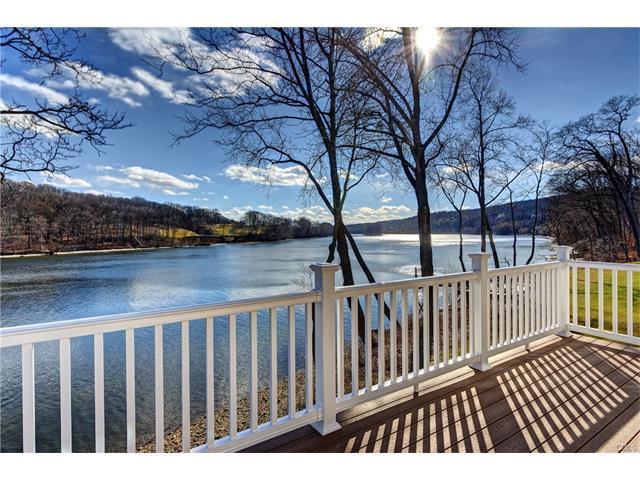 500 River Road #4, Shelton, CT 06484 (MLS #99189911) :: Stephanie Ellison