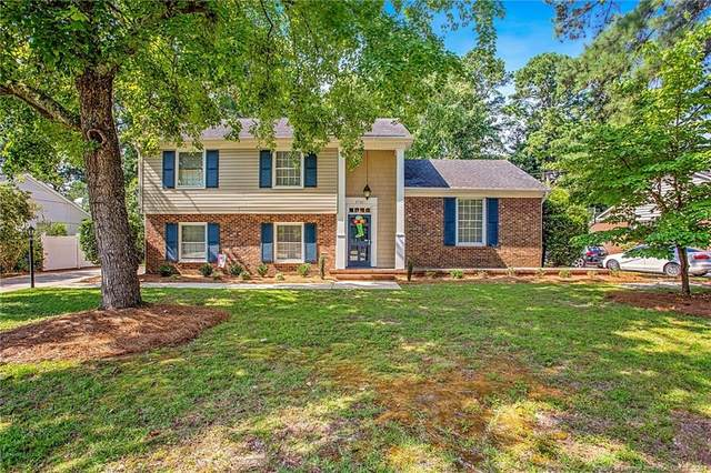 2721 Huntington Road, Fayetteville, NC 28303 (MLS #638397) :: Freedom & Family Realty