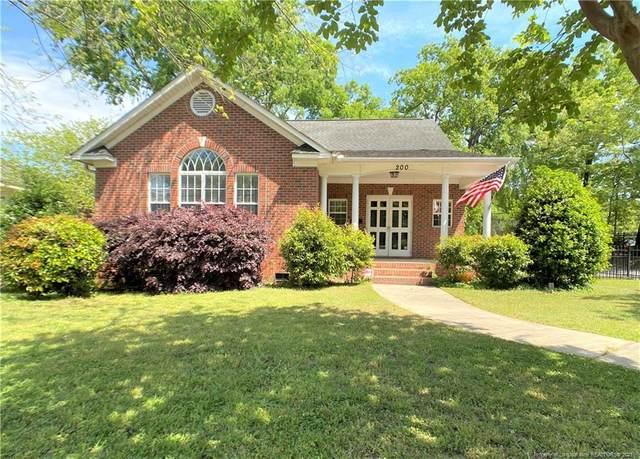 200 Oakridge Avenue, Fayetteville, NC 28305 (MLS #656474) :: Freedom & Family Realty