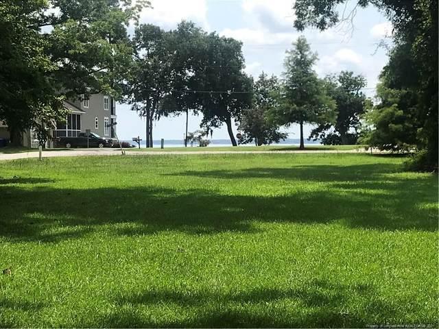 1 Live Oak Circle, Lake Waccamaw, NC 28450 (MLS #662651) :: RE/MAX Southern Properties