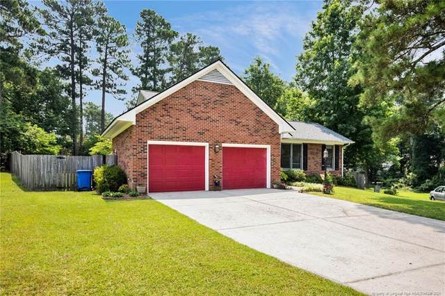 400 Gleneagles Court, Fayetteville, NC 28311 (MLS #662945) :: The Signature Group Realty Team