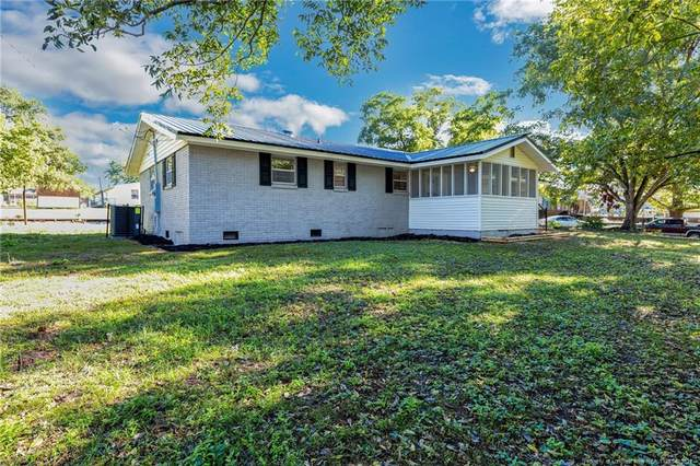 87 11th Street, Laurinburg, NC 28352 (MLS #668465) :: The Signature Group Realty Team