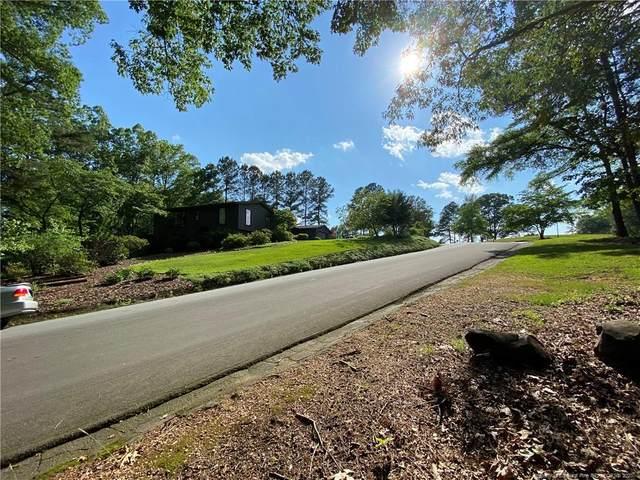 3 Greenside Lane, Sanford, NC 27330 (MLS #608218) :: The Signature Group Realty Team