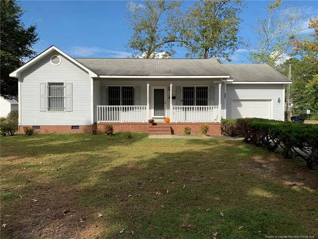 302 W Sixth Avenue, Raeford, NC 28376 (MLS #645241) :: The Signature Group Realty Team
