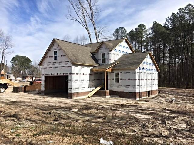 2695 Meadow View Lane, Sanford, NC 27332 (MLS #651990) :: The Signature Group Realty Team