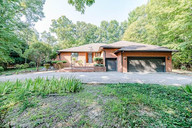 1975 Wedgewood Drive, Sanford, NC 27332 (MLS #664806) :: The Signature Group Realty Team