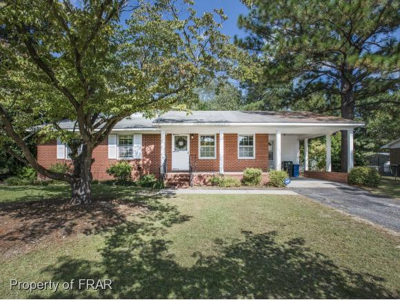 1449 Keswick Dr, Fayetteville, NC 28304 (MLS #528949) :: ERA Strother Real Estate