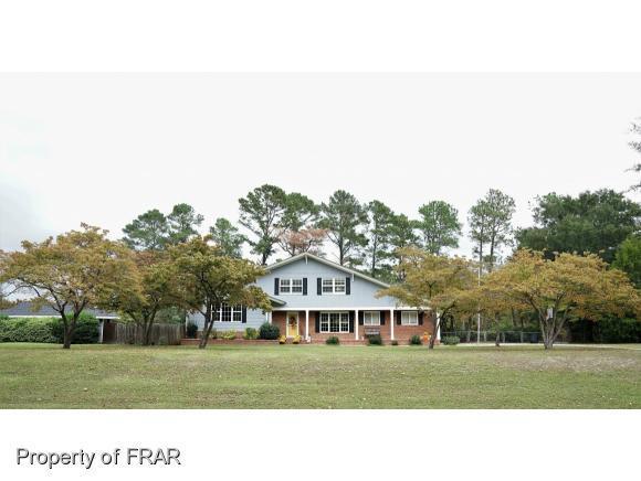 105 Cypress Lakes Circle, Hope Mills, NC 28348 (MLS #538376) :: Weichert Realtors, On-Site Associates