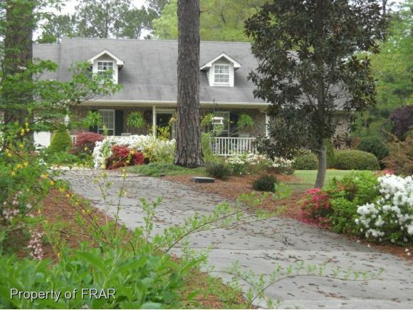 618 Porter Rd, Hope Mills, NC 28348 (MLS #547511) :: The Rockel Group