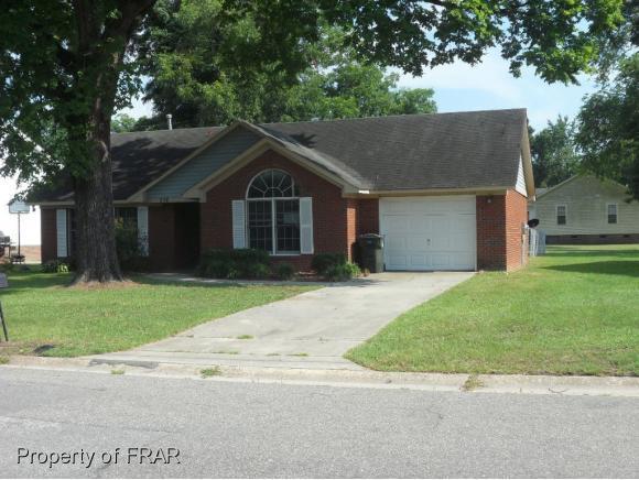332 Vanstory St, Fayetteville, NC 28301 (MLS #547524) :: The Rockel Group