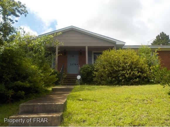 1436 Marlborough Rd, Fayetteville, NC 28304 (MLS #547542) :: The Rockel Group