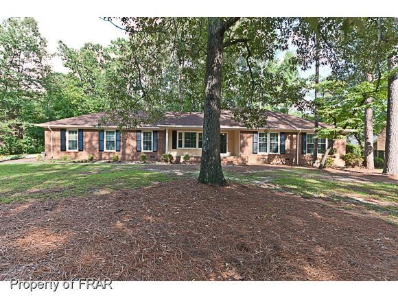 206 Queensberry Dr, Fayetteville, NC 28303 (MLS #547550) :: The Rockel Group