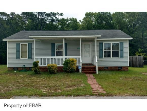 207 Waddell Dr, Fayetteville, NC 28301 (MLS #547597) :: The Rockel Group