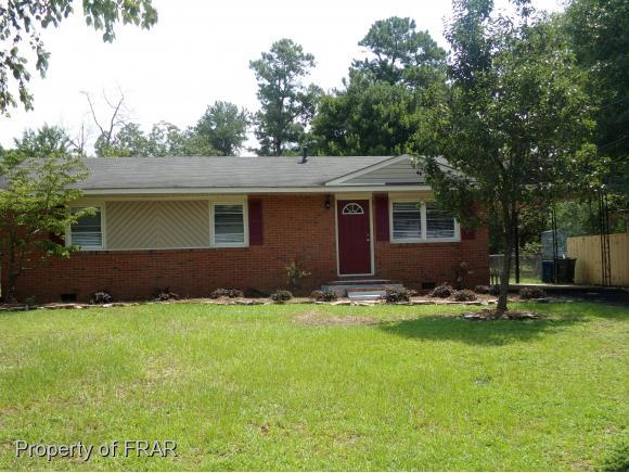 1843 Strathmore Ave, Fayetteville, NC 28304 (MLS #547635) :: The Rockel Group