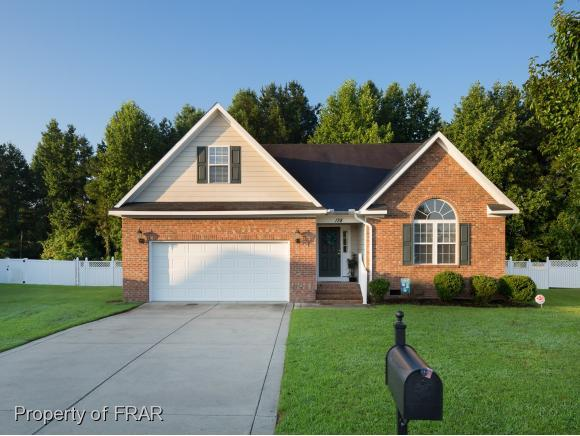 138 Dunbar Ct, Raeford, NC 28376 (MLS #547669) :: The Rockel Group