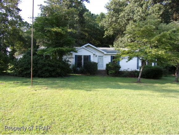4000 Farmstead Dr, Sanford, NC 27332 (MLS #547679) :: The Rockel Group