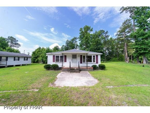 202 Cemetery St, Maxton, NC 28364 (MLS #550415) :: Weichert Realtors, On-Site Associates