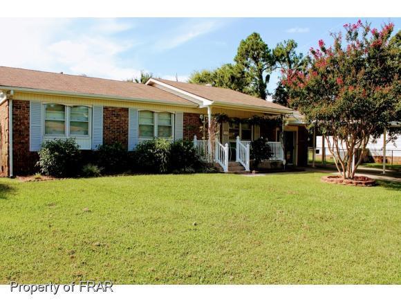 320 Glen Canyon Dr, Fayetteville, NC 28303 (MLS #550818) :: The Rockel Group
