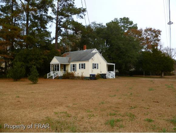 204 North Dickson St, Raeford, NC 28376 (MLS #553320) :: The Rockel Group