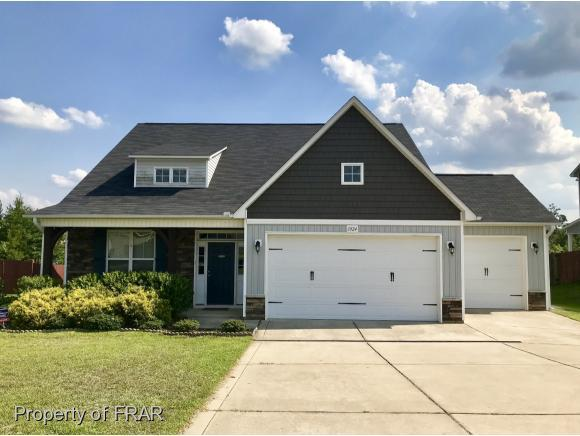 1024 Ronald Reagan Drive, Fayetteville, NC 28311 (MLS #553334) :: The Rockel Group