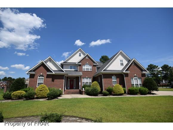 241 Stoneleigh Drive, Fayetteville, NC 28311 (MLS #553343) :: The Rockel Group