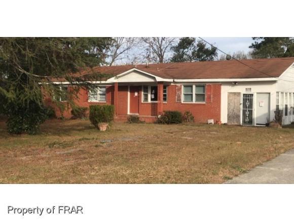 1040 Crayton Cir, Fayetteville, NC 28314 (MLS #553415) :: The Rockel Group