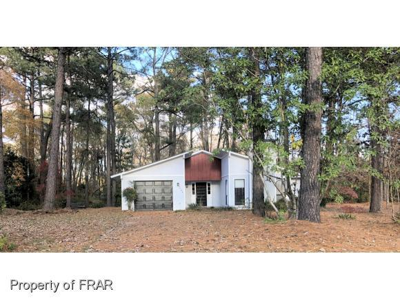 5709 Lochness Ct, Fayetteville, NC 28304 (MLS #553418) :: The Rockel Group