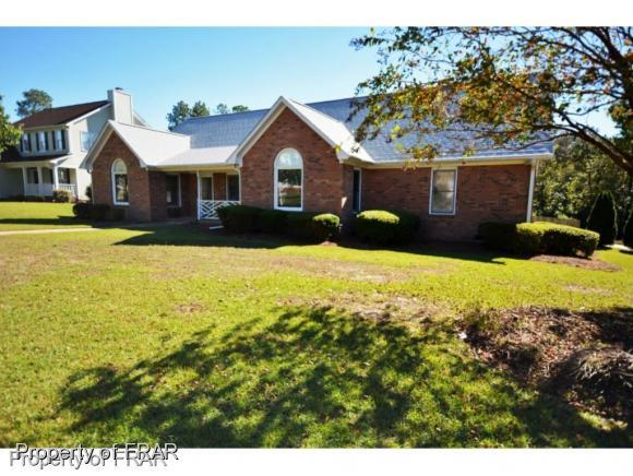 6323 Nakoma Way, Fayetteville, NC 28306 (MLS #553445) :: The Rockel Group