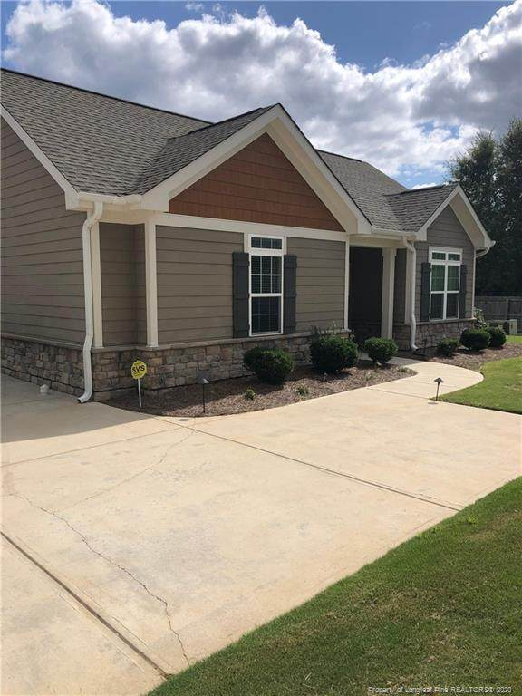 177 W Nandina Court, Fayetteville, NC 28311 (MLS #642633) :: The Signature Group Realty Team