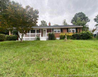 4013 Village Drive, Fayetteville, NC 28304 (MLS #643097) :: The Signature Group Realty Team