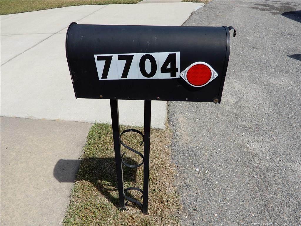 7704 Redwood Avenue - Photo 1
