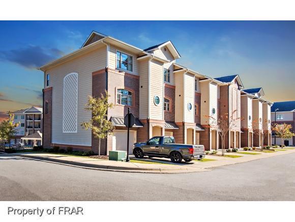 272 Hugh Shelton #13 Loop, Fayetteville, NC 28301 (MLS #533683) :: The Rockel Group