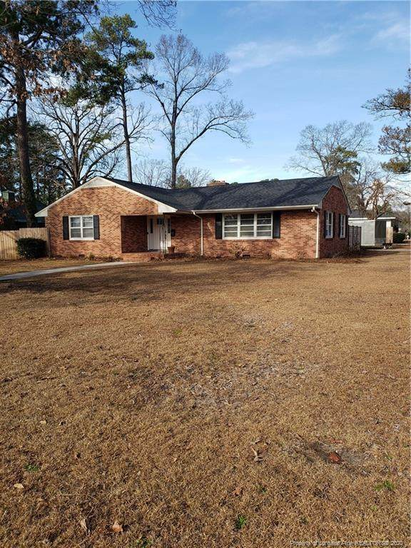 304 W Elwood Avenue, Raeford, NC 28376 (MLS #623789) :: Weichert Realtors, On-Site Associates