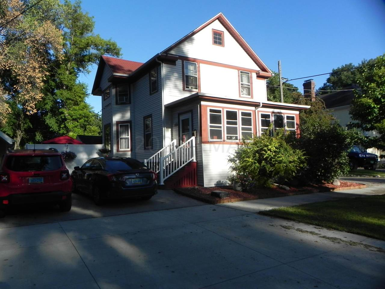 810 4 Street - Photo 1