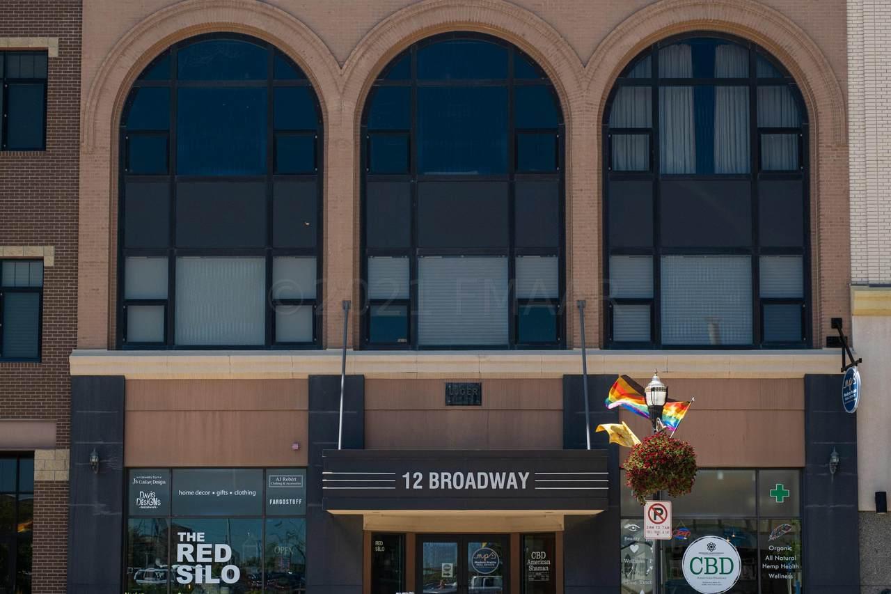 12 Broadway - Photo 1