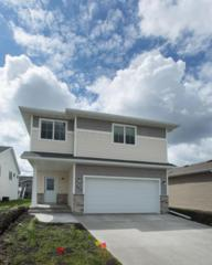 953 28 Avenue W, West Fargo, ND 58078 (MLS #17-3080) :: FM Team