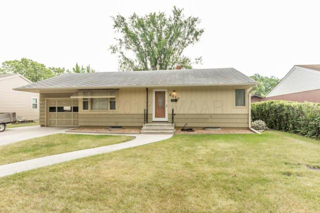 2217 9 Street N, Fargo, ND 58102 (MLS #17-4291) :: FM Team